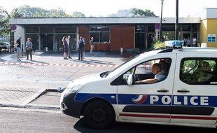 Une voiture de police dans le quartier du Breil-Malville, à Nantes.