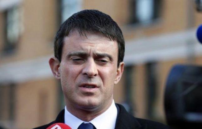 """La Direction centrale du renseignement intérieur (DCRI) avait """"écarté l'idée de recruter"""" Mohamed Merah avant qu'il tue au nom de l'islam trois militaires et quatre juifs il y a un an, a affirmé dimanche le ministre de l'Intérieur Manuel Valls."""