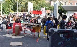 Ce matin les lycéens bloquent les lycées. L'après-midi, ils manifesteront.