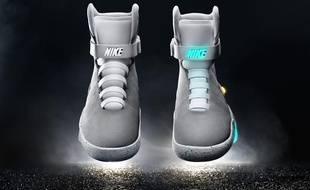 cfce003a35b VIDEO. Nike dévoile les premières baskets autolaçantes de «Retour ...