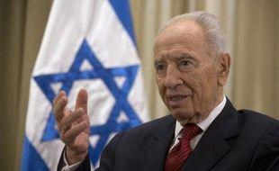 Le président israélien Shimon Peres a appelé dimanche à reprendre les négociations avec les Palestiniens, affirmant que le président palestinien Mahmoud Abbas est un partenaire avec lequel un accord est possible.