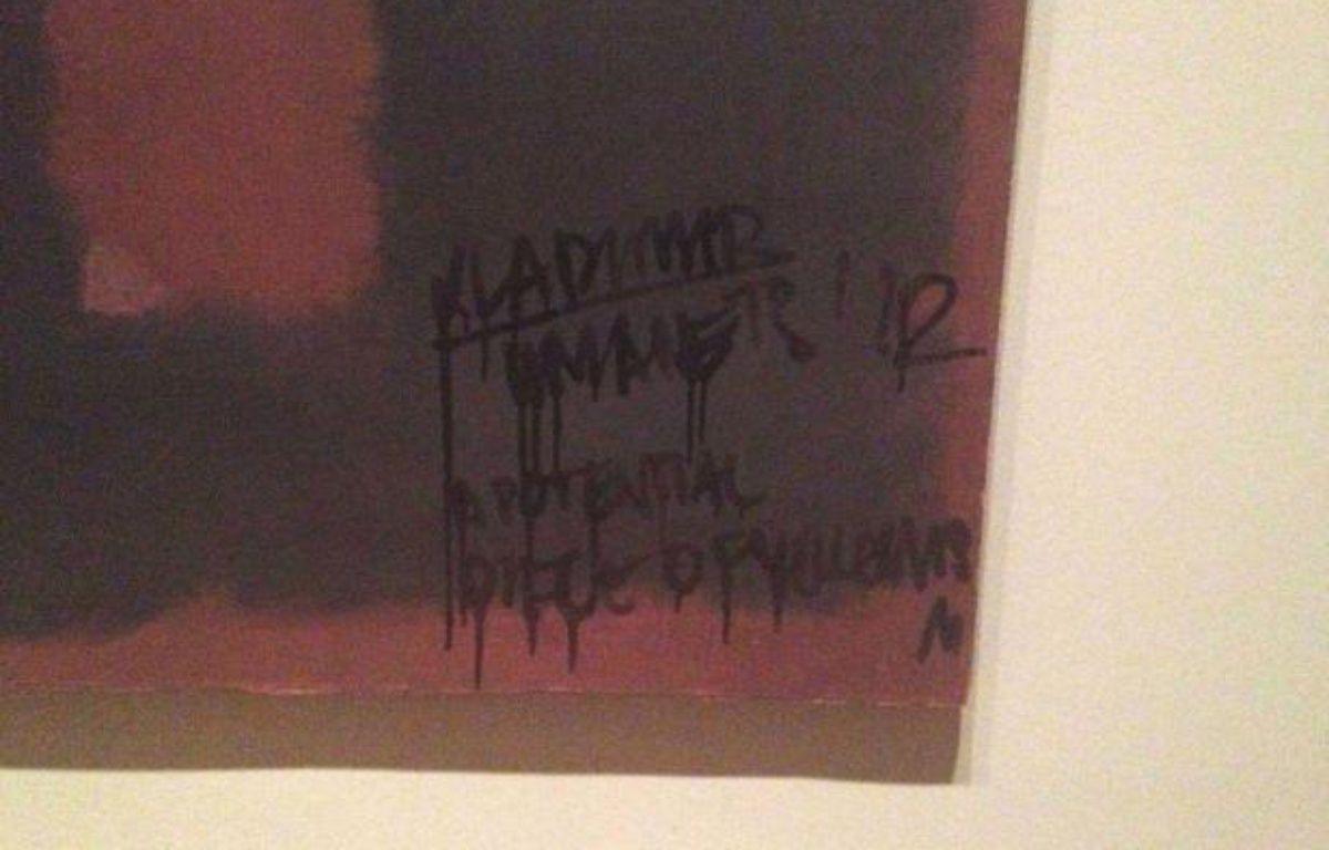 Le tableau de MarkRothko vandalisé, le 7 octobre 2012, à la Tate Modern à Londres. – Tim Wright/Rex Featur/REX/SIPA