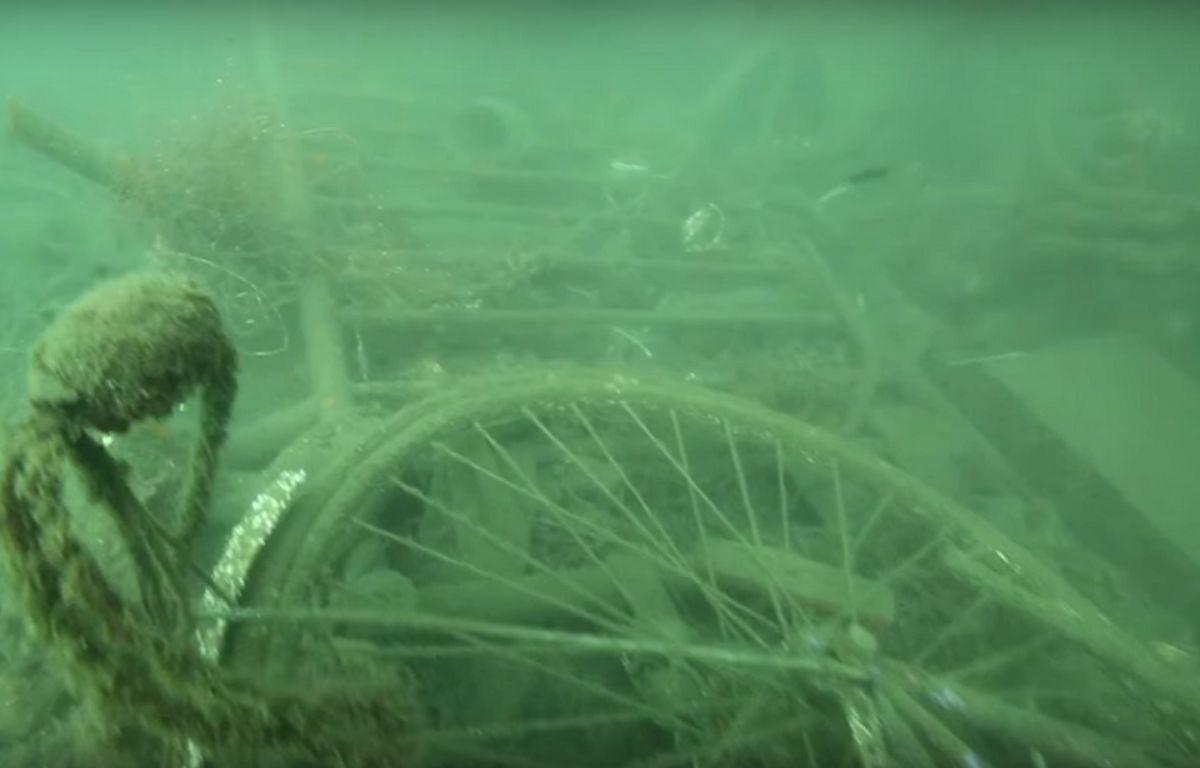 Extrait de la vidéo de Sea Sheperd dans le Vieux-Port de Marseille – Sea Sheperd