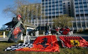 Le plus grand champion de l'histoire de la F1, l'Allemand Michael Schumacher, toujours entre la vie et la mort a passé sa deuxième nuit à l'hôpital de Grenoble, après une chute à ski dimanche dans laquelle il s'est grièvement blessé à la tête.