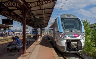 Un Transilien sur la ligne R, le 21 juillet 2018.