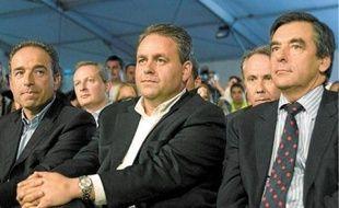 Jean-François Copé, Xavier Bertrand et François Fillon lors d'une réunion d'été à Seignosse (Landes), le 6 septembre 2009.