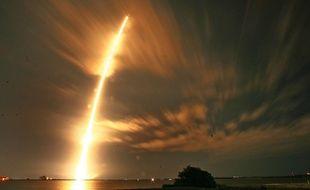 Lancement de la fusée Falcon 9 de SpaceX à Cape Canaveral (Floride), le 10 janvier 2015.