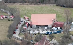 Les familles des victimes du crash de l'A320 sont accueillies à la salle des sports de Seyne-les-Alpes (Alpes-de-Haute-Provence).