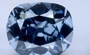 Le diamant Hope, actuellement exposé à la Smithsonian Institution de Washington, est bien le diamant bleu de la Couronne de France