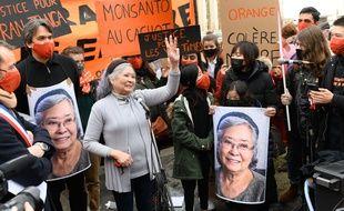 Tran To Nga lors d'une manifestation.