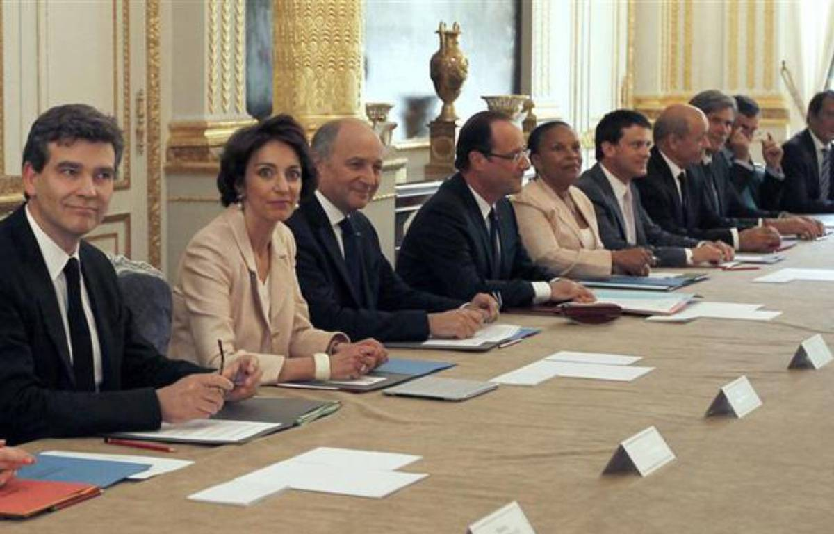 Le Premier conseil des ministres du gouvernement Ayrault, le 17 mai 2012. – R. Duvignau / REUTERS
