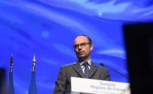 Edouard Philippe s'exprime à l'ouverture du Congrès des régions de France le 28 septembre 2017 à Orléans.