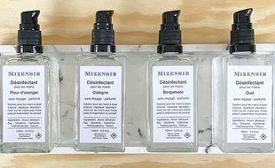 La solution hydro alcoolique de la Maison Mizensir  se décline en cinq senteurs : gingembre, fleur d'oranger, figuier, bergamote et oud.