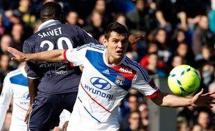 Le défenseur de Lyon Dejan Lovren lors d'un match contre Bordeaux en février 2013.