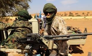 Ménaka (Mali), le 21 novembre 2020. Des combattants d'un groupe armé patrouillent aux abords de Ménaka où des militaires français ont été tués le 2 janvier 2021.