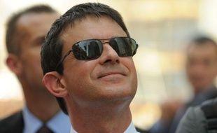 Manuel Valls, en visite d'un site Bouygues au Qatar le 23 juin 2013.
