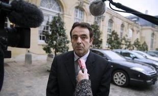"""Le président du Consistoire central Joël Mergui a estimé mardi qu'avec la tuerie de Toulouse, """"on est arrivé à l'irréparable"""" et que """"la République est fragilisée""""."""