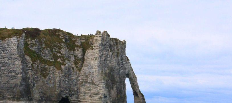 Vue des falaises d'Étretat (Seine-Maritime), photo d'illustration.