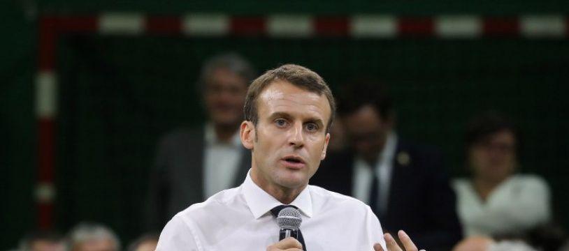Emmanuel Macron lors du premier épisode du grand débat national