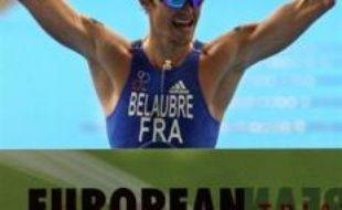 Le Français Frédéric Belaubre, champion d'Europe 2005 et 2006 de triathlon, a retrouvé son titre samedi à Lisbonne en remportant l'Euro-2008 distance olympique, devant son compatriote Tony Moulai, tandis que, chez les Dames, la grande favorite, Vanessa Fernandes, s'imposait pour la cinquième fois.