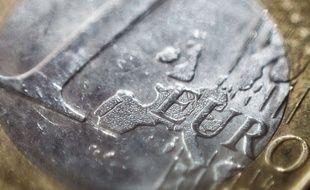 ILLUSTRATION : Piece de monnaie de 1 (un) Euro. Paris, France, le 18 Avril 2017.Credit:NICOLAS MESSYASZ/SIPA/