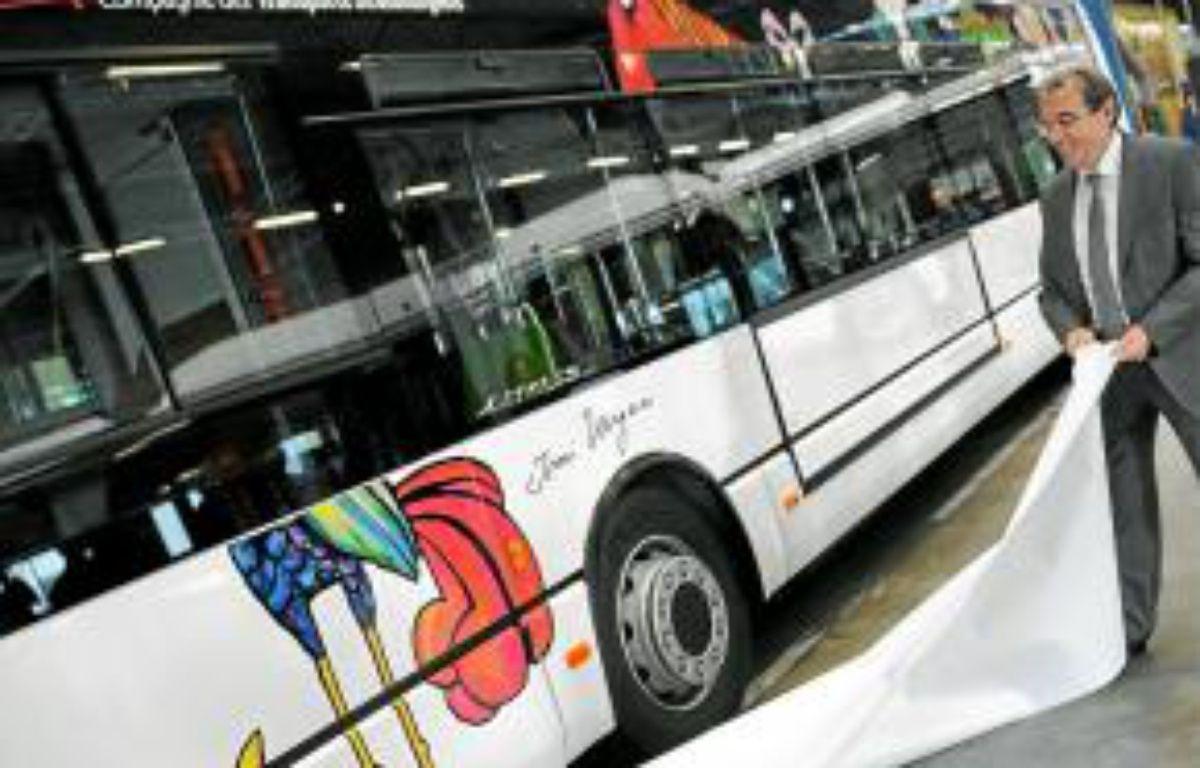 Des bus ornés de dessins d'Ungerer. –  G. Varela / 20 Minutes
