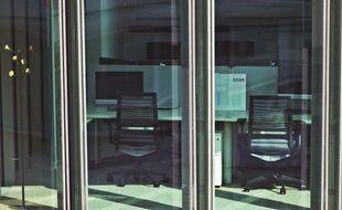 Des bureaux vides à Paris.