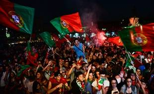 Des supporters du Portugal, le 6 juillet 2016, à Lisbonne.