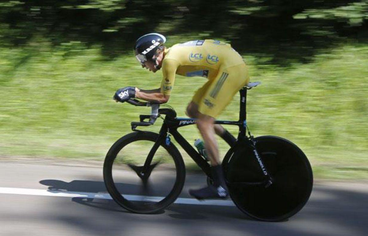 Le Britannique Bradley Wiggins, lors d'un contre-la-montre sur le Tour de France, le 9 juillet 2012. – L.Cipriani/AP/Sipa
