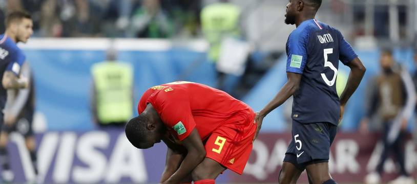Romelu Lukaku plongé dans le désarroi par Samuel Umtiti et les Bleus en demi-finale de la Coupe du monde 2018.