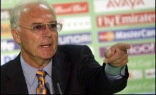 Franz Beckenbauer, ancienne gloire du football allemand et président du comité d'organisation du Mondial-2006, a été désigné roi de la publicité en Allemagne par une étude publiée jeudi.