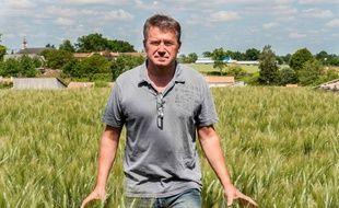 Paul François agriculteur cerealier a Bernac en Charente sera a Lyon devant la cour d'appel jeudi 28 mai  pour un  'ultime' proces contre Monsanto.  En premiere instance,  le tribunal avait en 2012 reconnu Monsanto responsable du prejudice de Paul Francois suite a l'inhalation du produit Lasso. Bernac,France -27/05/2015/NOSSANT_NOSSANT1841008/Credit:JEAN MICHEL NOSSANT/SIPA/1505271847