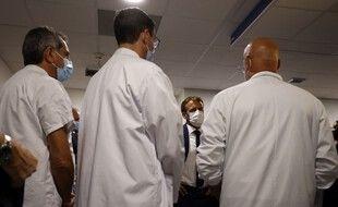 Emmanuel Macron dans un hôpital à Marseille