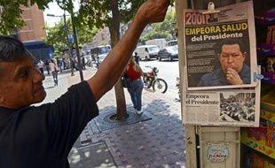 Les plus hauts dirigeants politiques et militaires vénézuéliens ont commencé à se réunir mardi au lendemain de l'annonce de l'aggravation de l'état de santé du président Hugo Chavez, hospitalisé pour un cancer, a annoncé la télévision officielle.