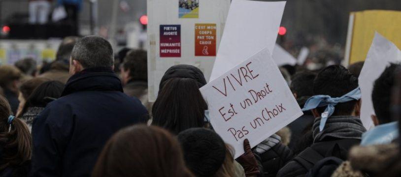 Beaucoup de jeunes étaient présents à la manifestation anti-avortement organisée ce 20 janvier à Paris.