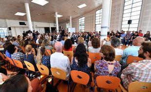 Edouard Philippe et Jean-Michel Blanquer face aux professeurs du lycée du Val d'Argens