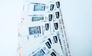 Pour pouvoir revendre un billet d'avion ou de train nominatif inutilisé, il faut que la compagnie autorise le changement d'identité du voyageur.