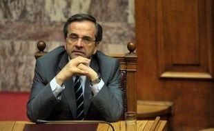 Le nouveau Premier ministre grec Antonis Samaras doit obtenir dimanche soir sans encombre le vote de confiance du Parlement pour sa politique centrée sur les privatisations, juste avant une réunion de l'Eurogroupe lundi à Bruxelles où la Grèce est encore en bonne place au menu.