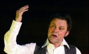 """Philippe Caubère s'installe vendredi dans la grande salle du Théâtre du Rond-Point à Paris avec six épisodes écrits de sa """"comédie fantastique"""" qu'il concocte depuis 1980 et qu'il a réunis sous le titre """"L'homme qui danse ou la vraie danse du diable""""."""