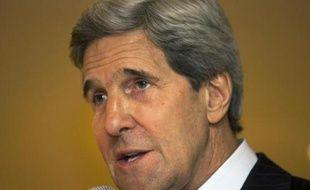 Le secrétaire d'Etat américain, John Kerry, a quitté mardi l'Inde pour l'Arabie saoudite dans l'espoir de coordonner le soutien à l'opposition syrienne sur fond de craintes qu'une guerre civile prolongée renforce les extrémistes.