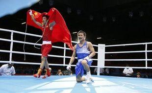 Le double champion olympique de boxe Zou Shiming deviendra samedi à Macao le premier Chinois à disputer un combat professionnel, le début d'une nouvelle carrière qui doit le mener vers un éventuel titre mondial espéré par ses ambitieux promoteurs américains.
