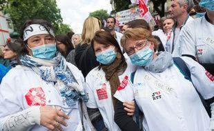 Des agentes de l'AP-HP  en grève, le 21 mai 2015.