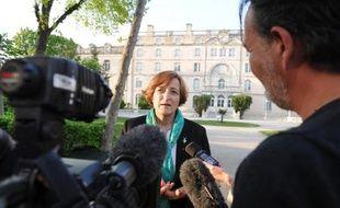 La directrice du lycée Fenelon Notre-Dame, Chantal Devaux, le 11 avril 2014 à l'entrée de l'établissement à La Rochelle