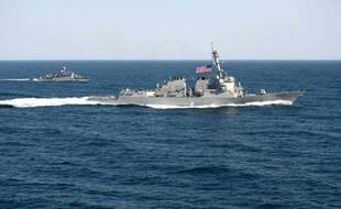 Le navire américain USS Lassen en Mer de Chine, le 12 mars 2015