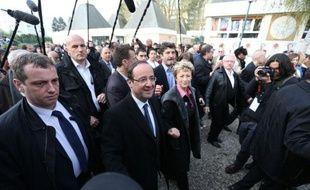 François Hollande, candidat PS à la présidentielle, a fustigé samedi à Trappes Nicolas Sarkozy qui avait évoqué jeudi les risques d'une gestion socialiste de la France en prédisant une situation comparable à celle de l'Espagne.
