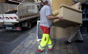 Ramassage d'encombrants à Aix-en-Provence.