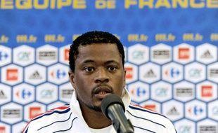 Le défenseur de l'équipe de France, Patrice Evra, lors d'une conférence de presse, le 18 mai à Tignes.