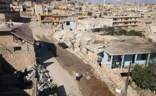 Une vue générale des destructions dans la ville de Darat Azzah, à l'ouest d'Alep, le 7 octobre 2015