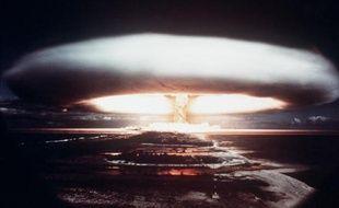 """Une bombe atomique américaine 260 fois plus puissante que celle d'Hiroshima a failli exploser en janvier 1961 en Caroline du Nord (Est des Etats-Unis), rapporte samedi le quotidien britannique The Guardian en citant un document américain """"déclassifié""""."""