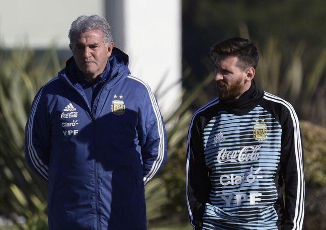Jorge Burruchaga et un ami, le 22 mai 2018 à Buenos Aires.